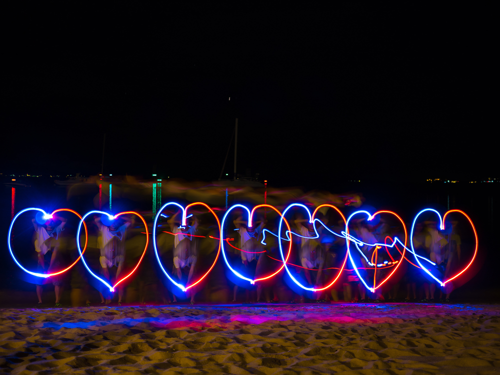 7 mit LED Licht gemalte Herzen